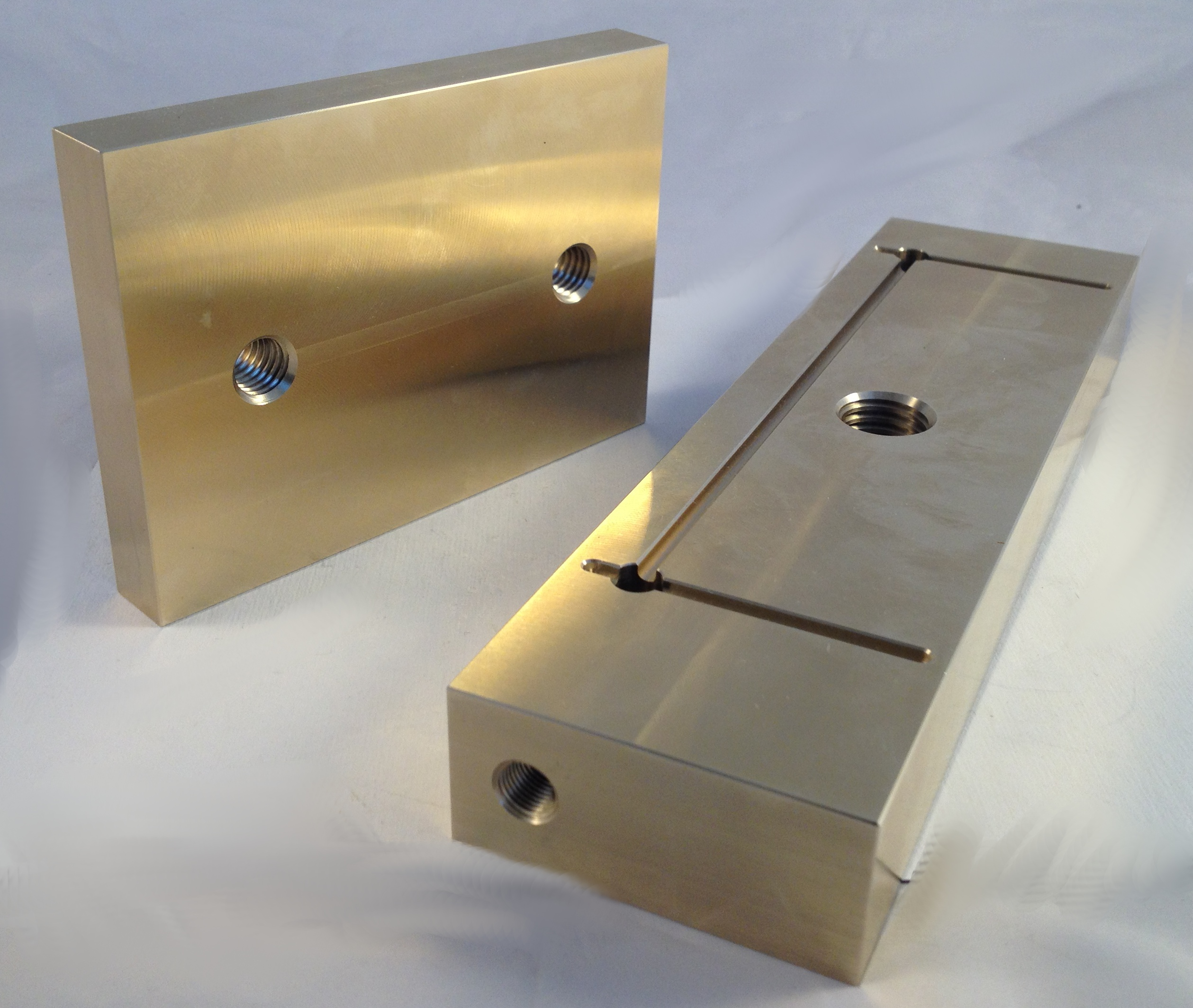 machined bronze wear plates